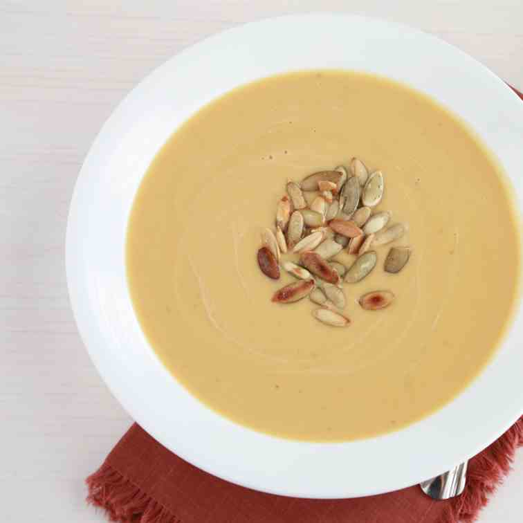 Easy Slow Cooker Butternut Squash Soup