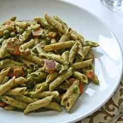 Penne with spicy coriander pesto (Vegan)