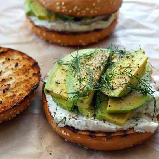 Bagel with dill cream cheese & avocado