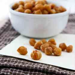 Fajita-Spiced Roasted Chickpeas