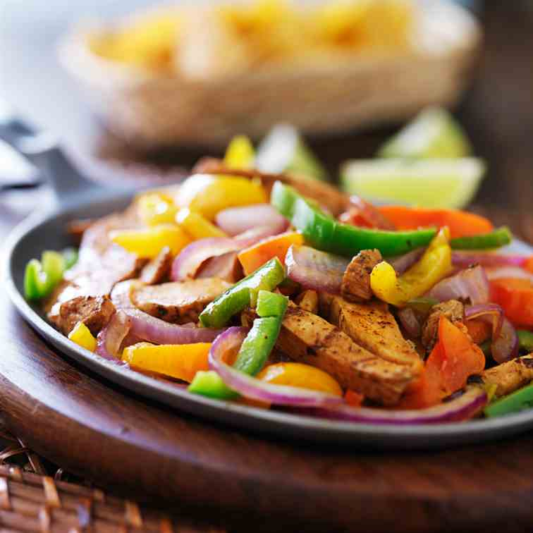 Slow Cooked Creamy Chicken Fajitas