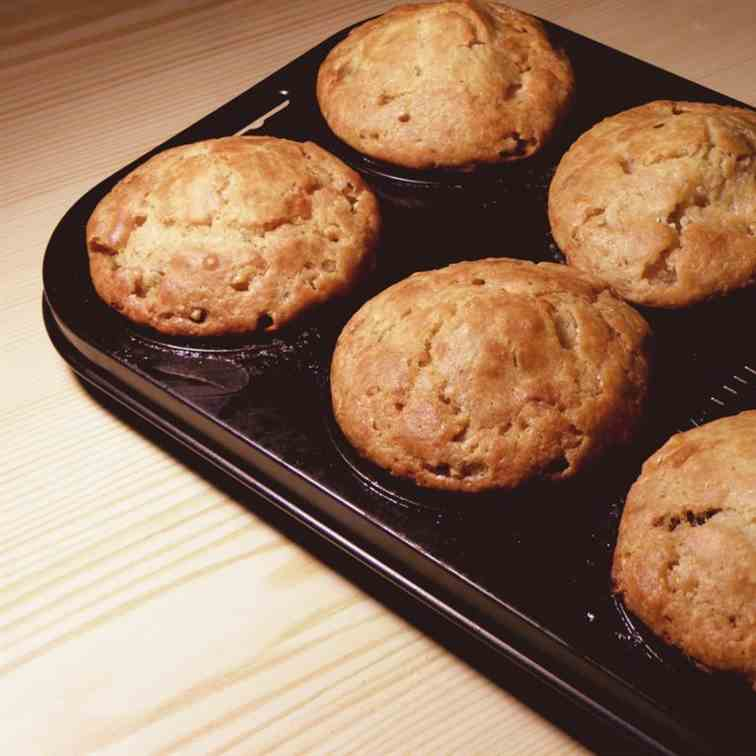Healthy muffins with banana and nuts
