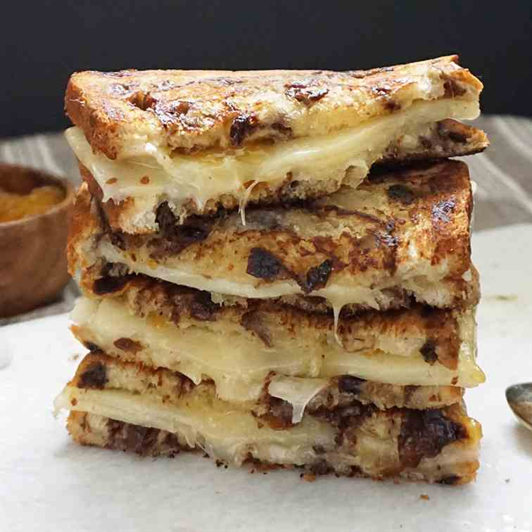 Apricot cheddar grilled cheese