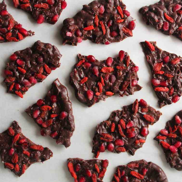 Superfood Antioxidant Chocolate Bark