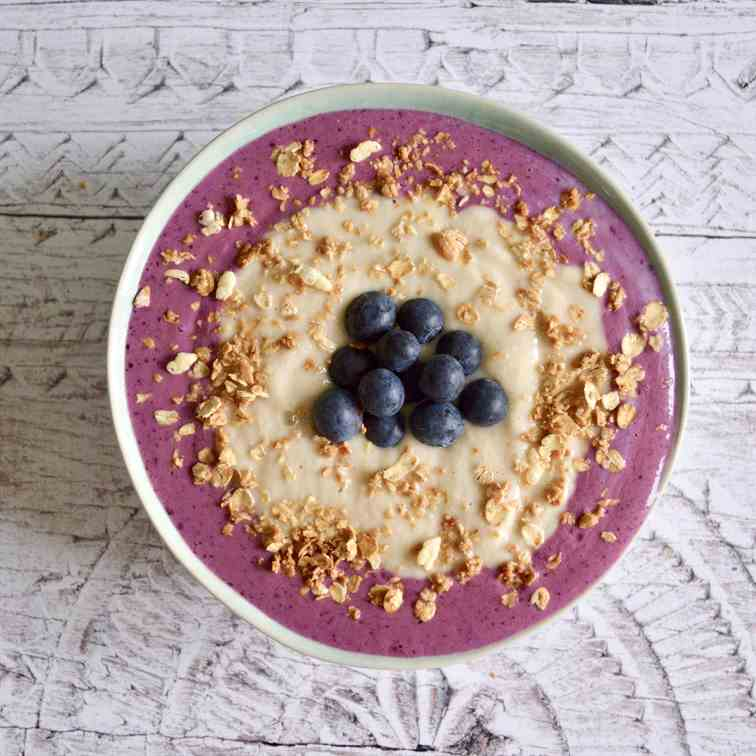 Pear and Blueberry Smoothie Bowl
