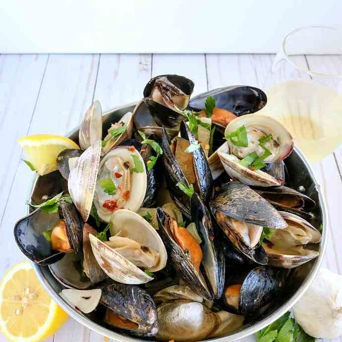 Clams - Mussels w-Garlic Butter Wine Sauce