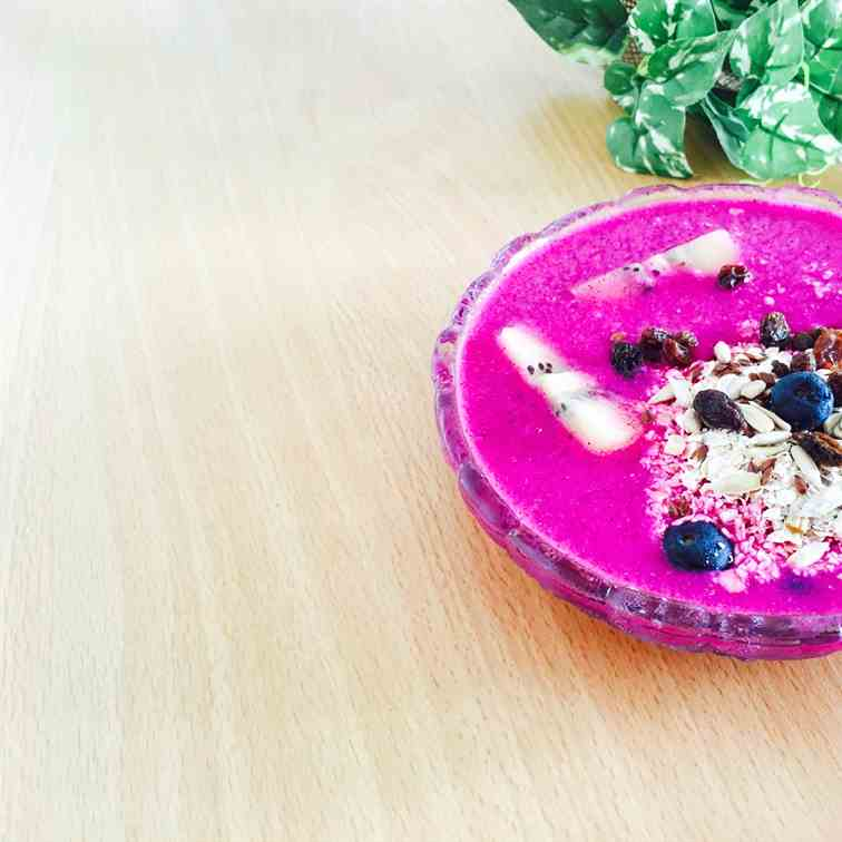 Hot Pink Pitaya Bowl