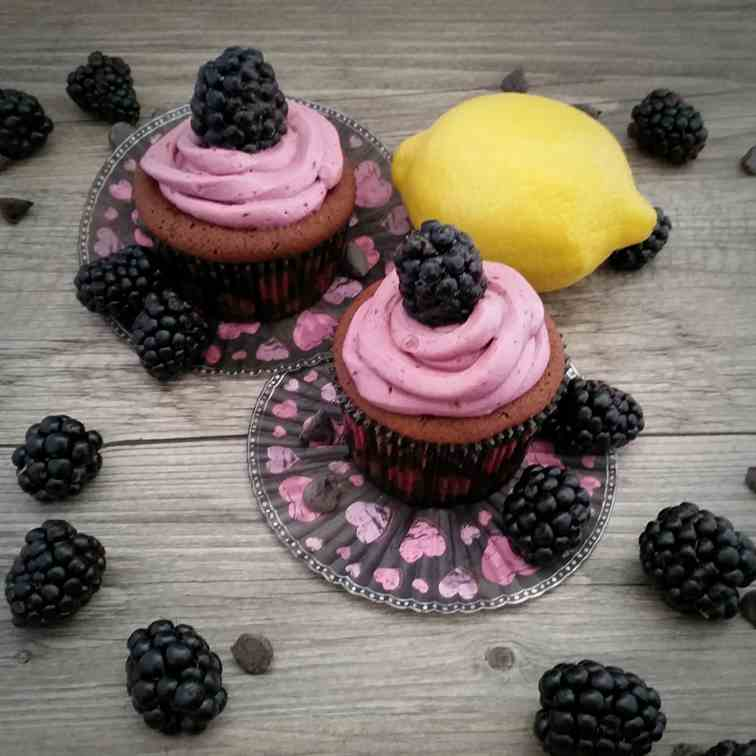 Blackberry & Dark Chocolate Cupcakes
