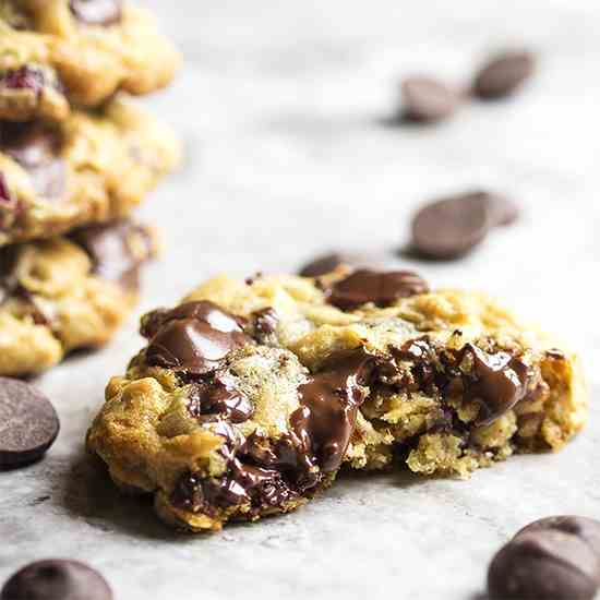 One Bowl Chocolate Cherry Oatmeal Cookies