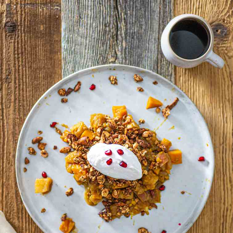 Granola Crumble with Apple-Pumpkin Compote