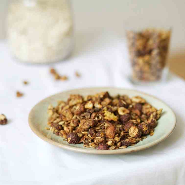 Maple Banana Granola with Nuts