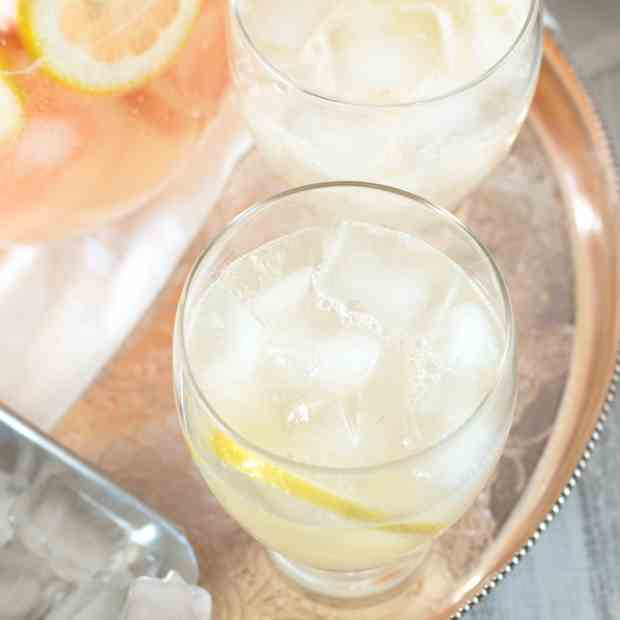 Boozy Grapefruit Sparkling Lemonade