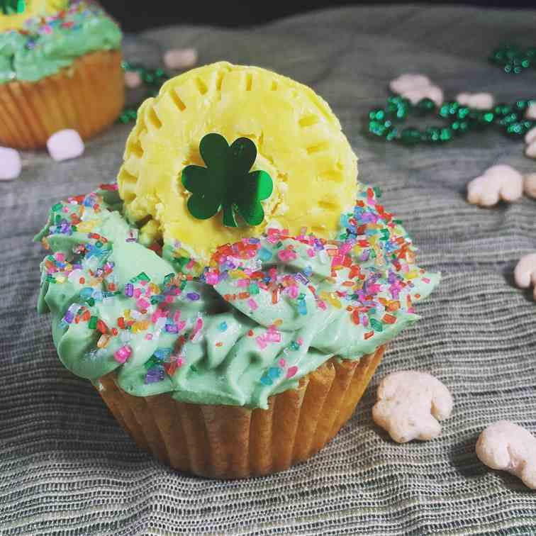 Leprechaun Cupcakes with Frosting