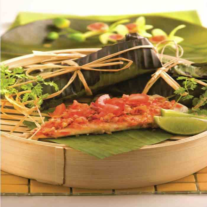 Grilled Sea Bass in Banana Leaf Wrap