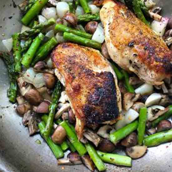 One Pan Chicken with Asparagus and Mushroo