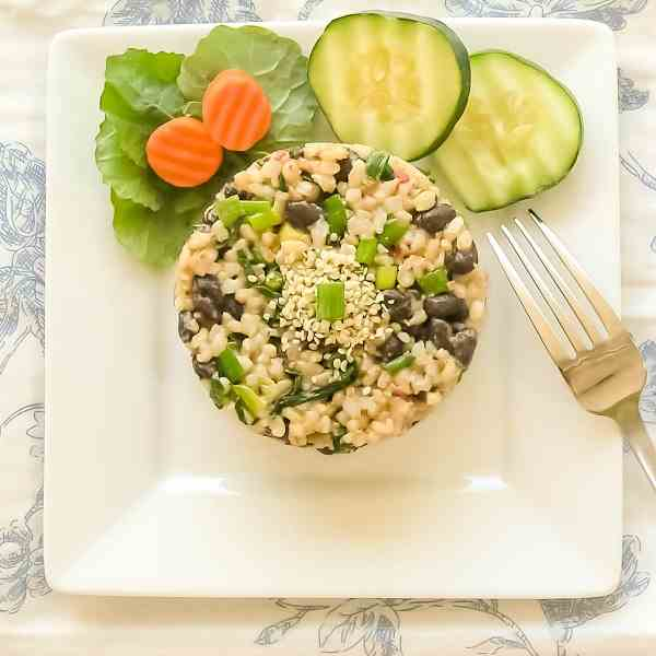 Black Beans & Brown Rice With Garlicky Kal