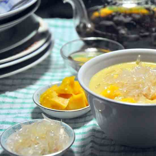 Mango Puree with Sago and Pomelo