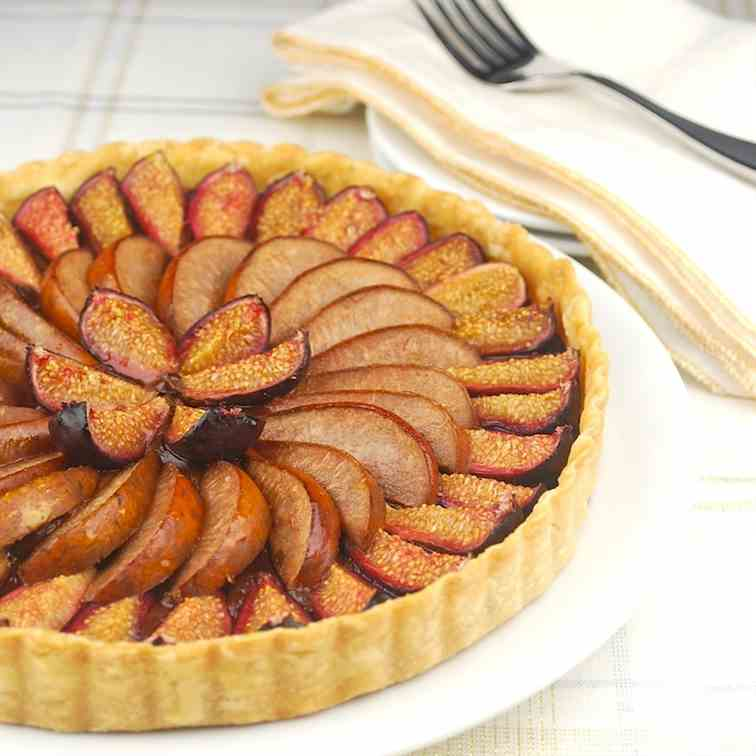 Fig and Pear Chocolate Tart