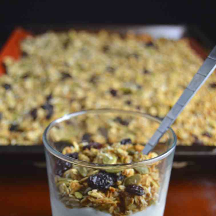 Applesauce and Pumpkin Seed Granola