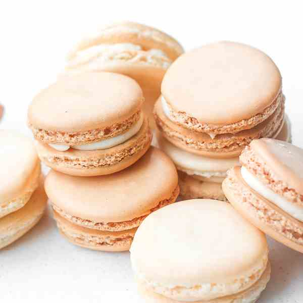 French Macaron with Vanilla Filling