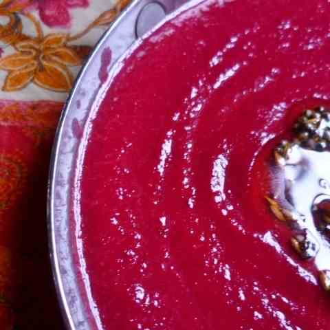 Curried roast beetroot soup