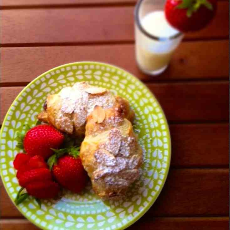 Lori's Almond Puff Pastries