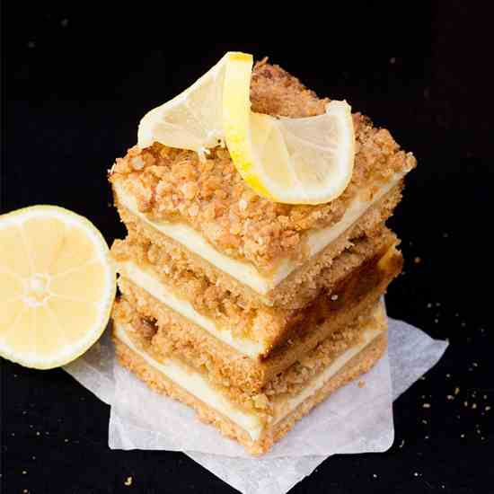 Lemon Cheesecake Crumble Bars