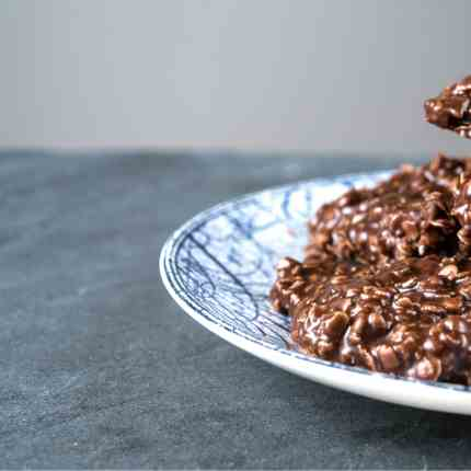 No Bake Chocolate Cookies with Coconut Oil